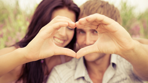 heart-shape-from-couples-hands